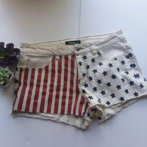 NWOT Patriotic American Flag denim shorts